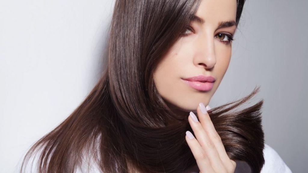 Hoe laat je dof haar weer glanzen