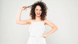 Deze 5 schadelijke ingrediënten kun je volgens de Curly Girl Methode beter vermijden