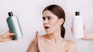 Waarom sulfaten slecht zijn voor je haar - en je beter shampoos zonder sulfaten kunt gebruiken